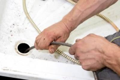 Устранение засора труб самостоятельно: химически, вантузом, тросом; в квартире и в локальной канализации