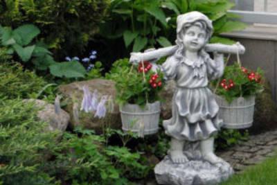 Сад камней и бетонные скульптуры