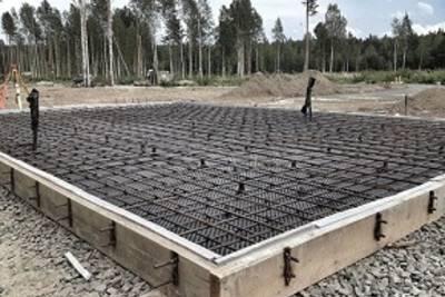 Плитный фундамент: что это и как его заливают