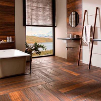 Использование керамической плитки под дерево в гостиной и на кухне