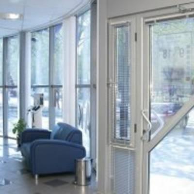 Современные металлопластиковые окна  и двери