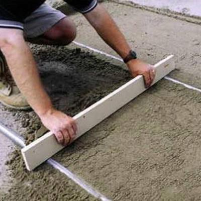 Полусухая стяжка пола с фиброволокном: схема, этапы работ, преимущества решения