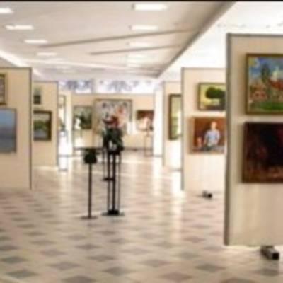 Ремонт выставочного зала: выбираем напольное покрытие