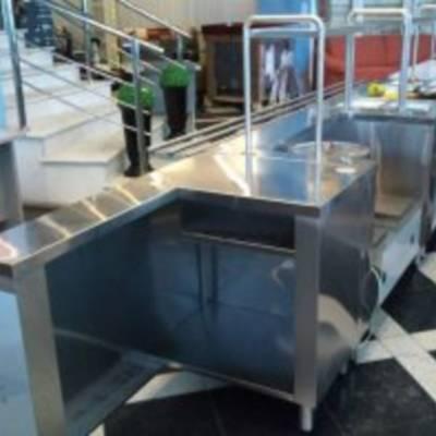 Использование мебели из нержавеющей стали